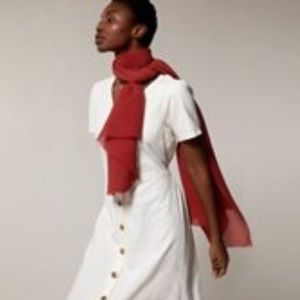LOVE AND LORE LIGHTWEIGHT PLEATED SCARF